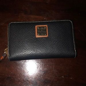New with tags Dooney & bourke wallet